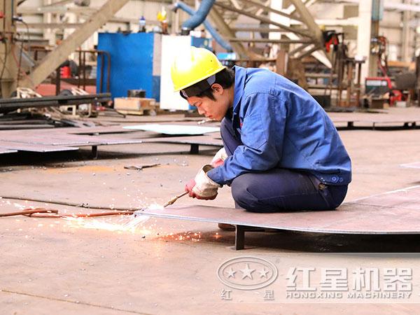 红星设备生产技术人员